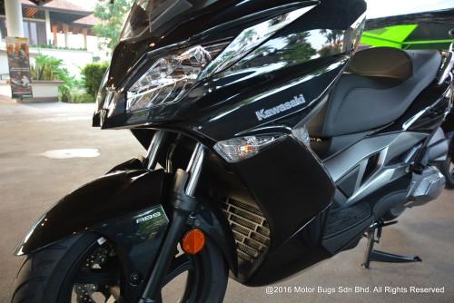 Kawasaki J300 (16)