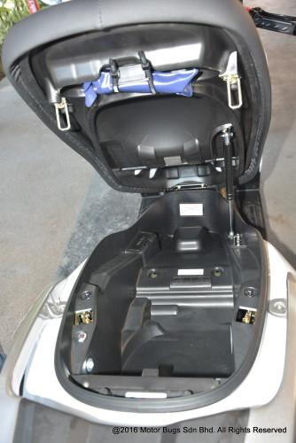 Kawasaki J300 (8)